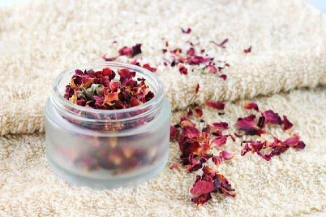 image of how to store dried rose petals properly