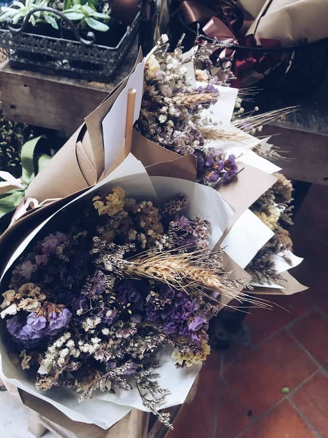 image of dried flower bouquet