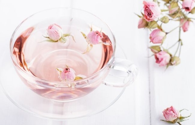 image of rose water spray used in the kitchen